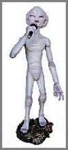 Alien Enc.Sänger,25x28x68cm