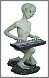 Alien Enc.Pianist 31x35x53cm